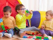 Kinder-spielen/ Krabbelgruppe